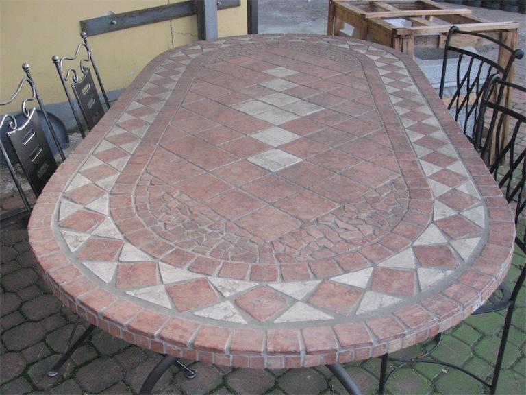 Tavolo mattonelle fonderie lamperti - Mattonelle giardino ...
